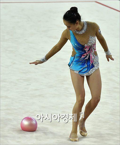 [포토]손연재, '아… 공'