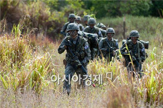 훈련중인 림팩훈련전대 소속 해병대 장병