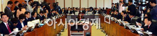 [2014국감]12개 상임위 국감…이석우 다음카카오 공동대표 참고인 출석