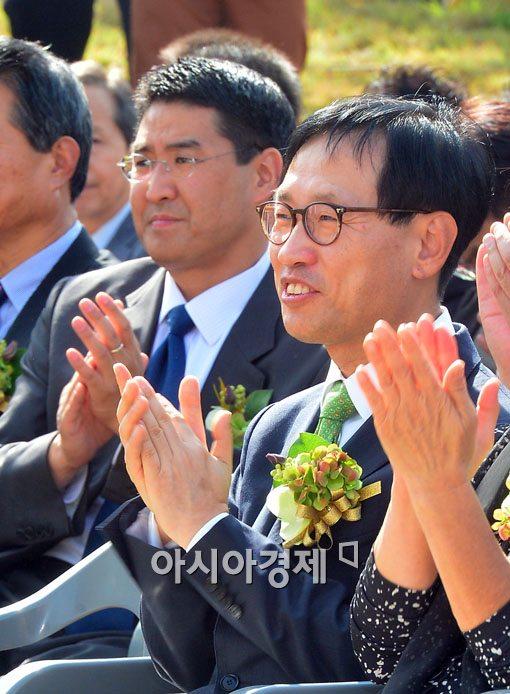 [포토]국립한글박물관 개관식 참석한 김상현- 존 리