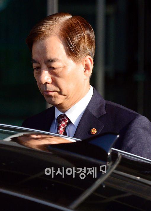 [포토]굳은 표정짓는 한민구 국방부 장관
