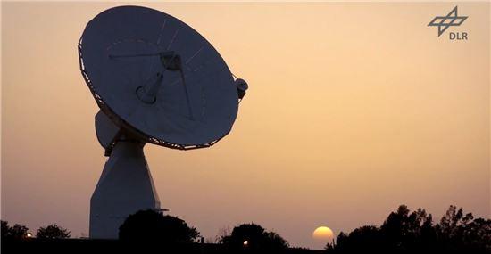▲필레가 모든 데이터는 로제타 모선으로 로제타는 이를 지구로 전송한다.[사진제공=NASA/ESA]