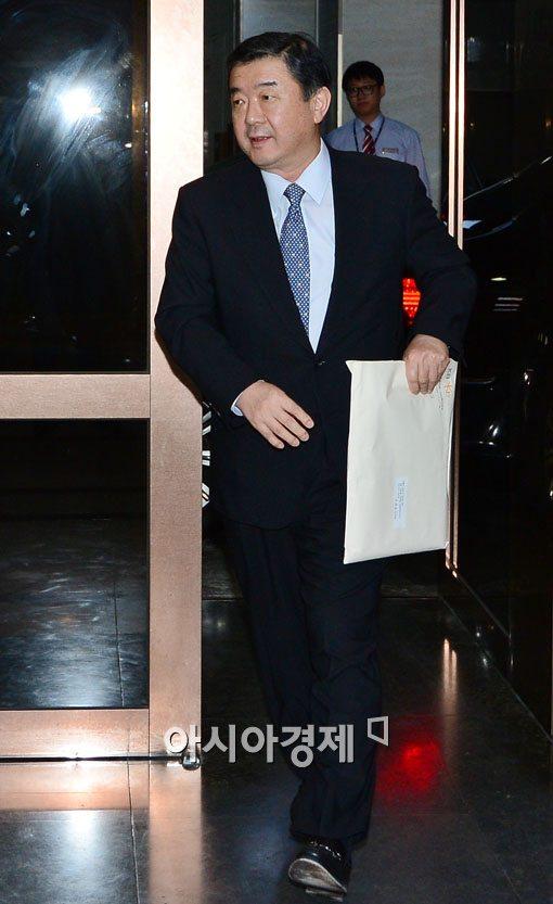 [포토]KB금융 회추위 참석하는 조재호 사외이사