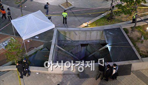 17일 관람객 추락사고가 발생한 판교테크노밸리 야외공연장 환풍구