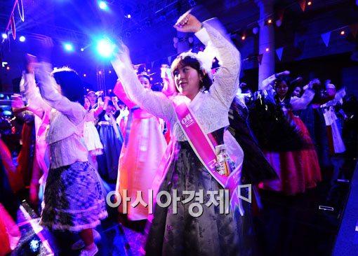 [포토]신명나게 춤춰요