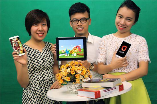 KT가 베트남 1위 통신사 비에텔 텔레콤과 어린이 영어 교육콘텐츠인 '키즈톡톡'의 공급 계약을 체결했다고 7일 밝혔다. 키즈톡톡은 KT그룹의 미디어 계열사인 KT스카이라이프가 판권을 소유한 어린이용 영어교육 콘텐츠로 총 35개 프로그램과 1061개의 에피소드로 구성됐다.