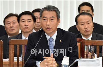 [포토]'정부조직법' 처리 지연 사과하는 정종섭 장관