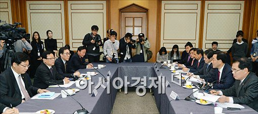 [포토]여·야·정 FTA 협의체 첫 회의