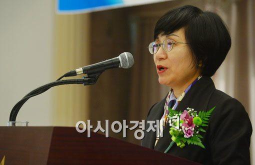 """권선주 행장 """"공모전 수상자들 창업하면 지원"""""""