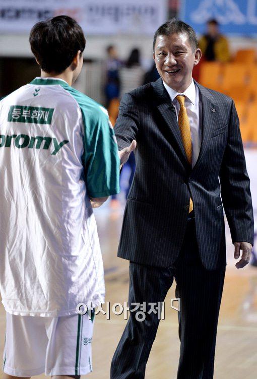 [포토]허재 감독,'아들아! 멋진 경기 하자!'