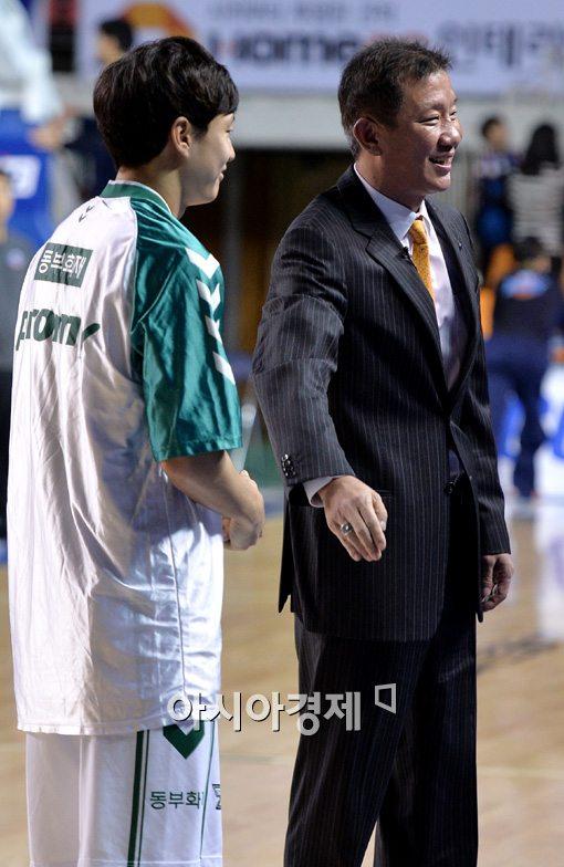 [포토]허재 감독,'아들 허웅이 자랑스러워요'