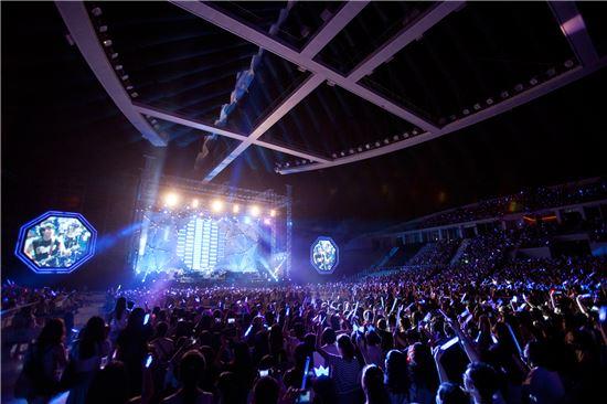 지난 7월12일에 열린 그룹 씨엔블루의 중국 장저우 콘서트. (사진제공=FNC엔터테인먼트)