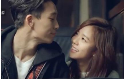 바비(왼쪽)와 김지수[사진=하이수현 '나는 달라' 뮤직비디오 캡처]