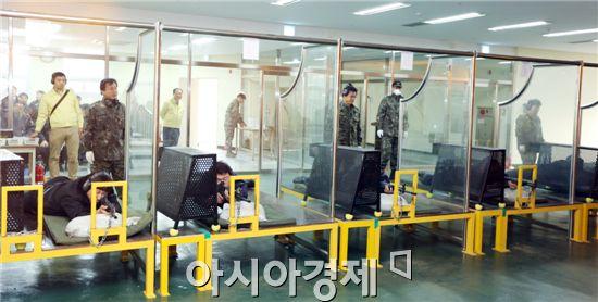 여수광양항만공사(사장 선원표, 이하 공사)는 최근 국제 정세의 불안정 및 항만보안의 중요성이 강조됨에 따라 공사 청원경찰(이하 청경)을 대상으로 실탄 사격훈련을 실시했다.