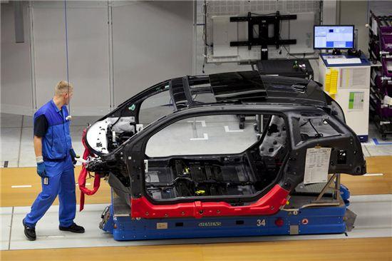 BMW 전기차 i3의 차체. 사진=블룸버그