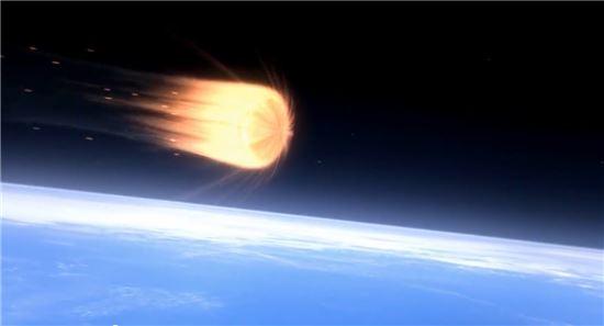 ▲지구 대기권에 진입할 때 오리온은 높은 온도를 견뎌야 한다.[사진제공=NASA]