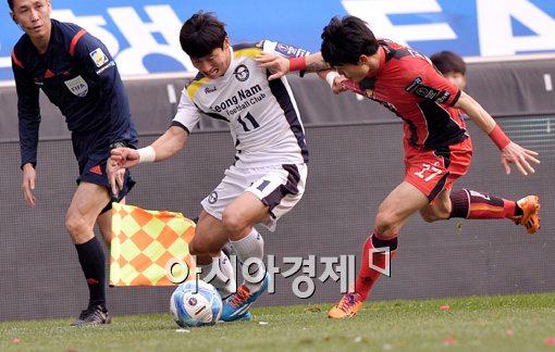 [포토]김태환, '저리 비켜'