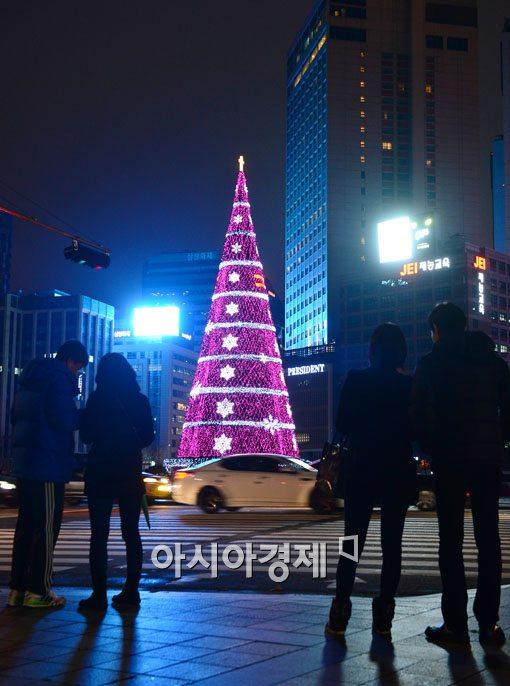 [포토]서울광장 '사랑의 빛'