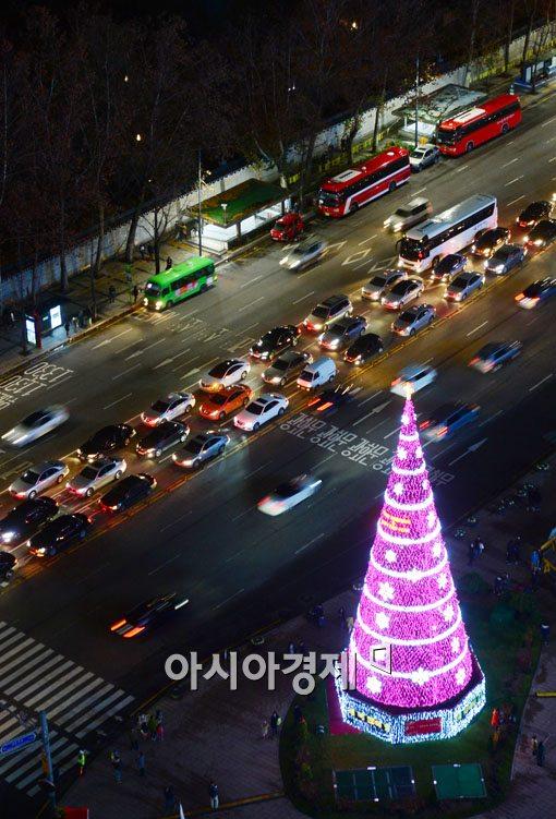 [포토]서울시내에 대형 성탄트리