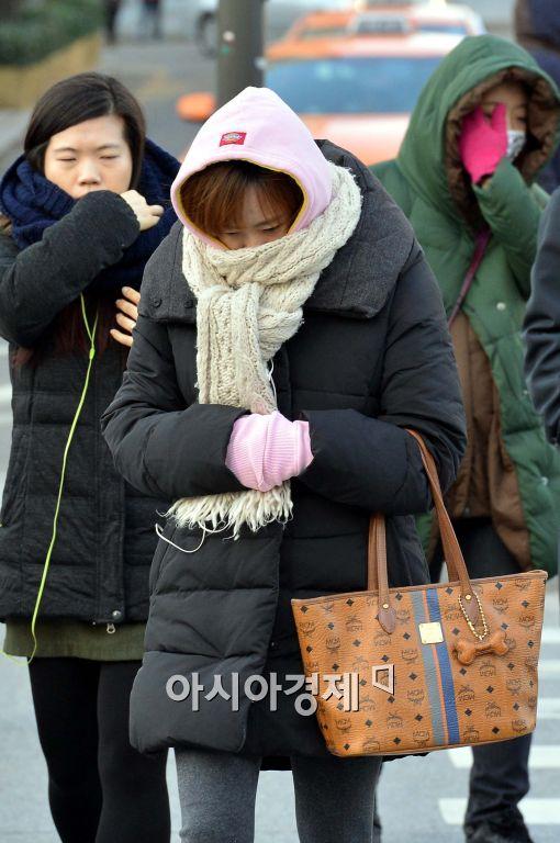 [오늘 날씨]중부 '강추위' 영하 10도 안팎…올 겨울들어 '가장' 추운 날