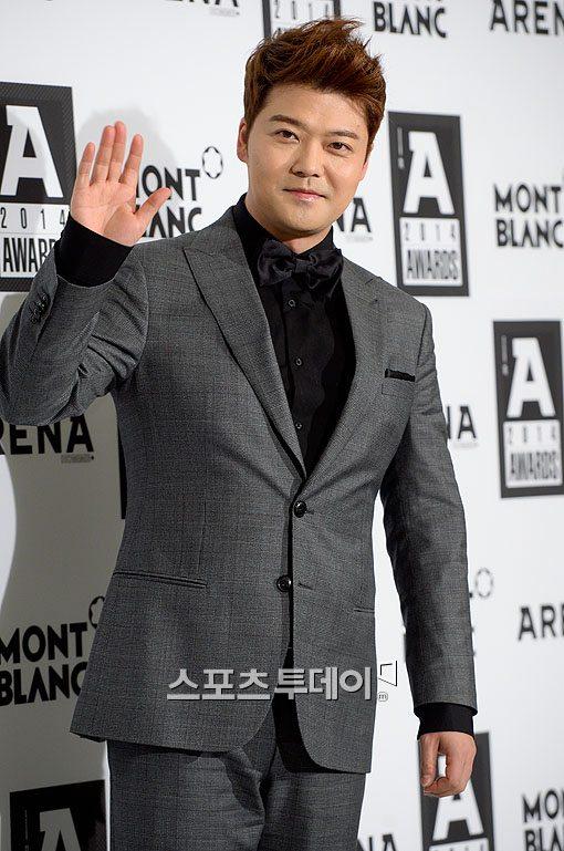 프리 이후 훨훨 나는 전현무, 방송 '또' 맡는다…tvN 새 예능 MC 발탁