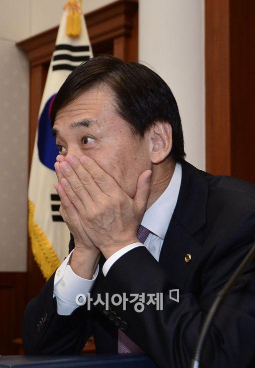 [포토]이주열, '한국 경제 회복 미약'