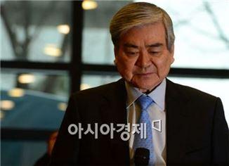 [포토]착잡한 표정의 조양호 한진그룹 회장