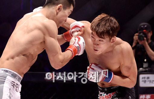 [포토]이윤준, '챔피언 벨트 내놔!'