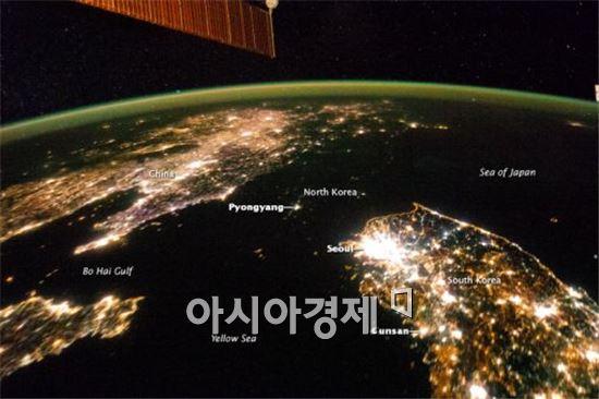 나사(미항공우주국)가 공개한 야간의 북한 모습.