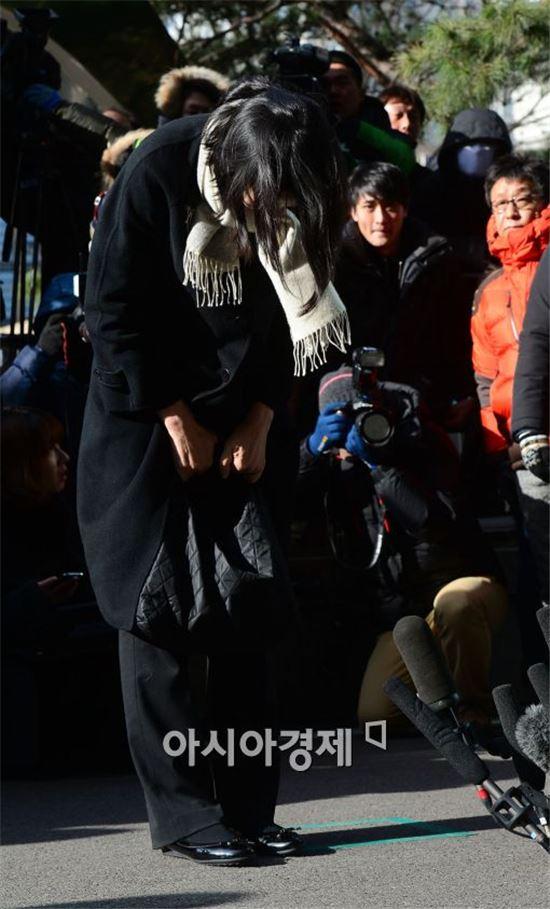 """檢 """"조현아 전 부사장, 책임자 아닌 일등 탑승객""""…처벌수위 높아지나"""