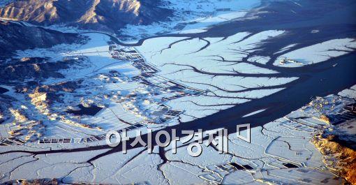 [포토]꽁꽁 얼어버린 한반도
