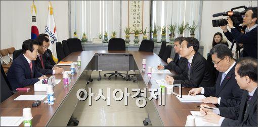 [포토]대형마트 의무휴업 위법 판결 관련 당정