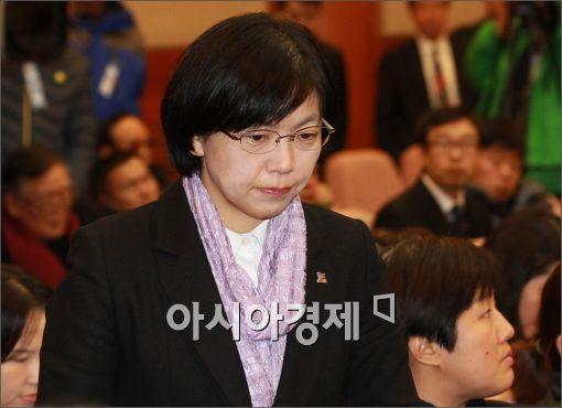 [포토]굳게 입다문 이정희 대표