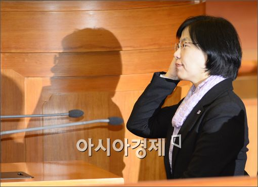 [포토]판결문 듣는 이정희 대표