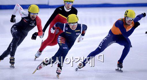 [포토]서이라, '1위로 결승선 통과'