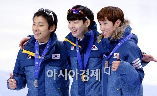 [포토]남자 3000m 금은동 싹쓸이한 대한민국 쇼트트랙