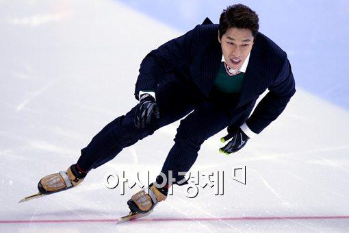 [포토]김동성, '왕년의 실력 좀 뽐내볼까'