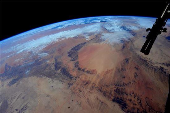 ▲사하라 사막의 뜨거운 기운이 느껴진다.[사진제공=NASA/테리 버츠]