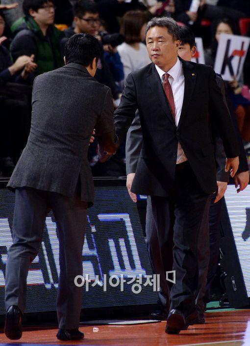 [포토]전창진 감독, '전자랜드전 5연패 탈출했어'