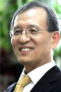 이준구 서울대 경제학부 교수.(사진=이준구 교수 홈페이지)