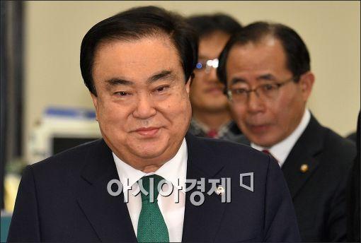 """문희상, 공천배제 수용…""""탈당 생각 없다"""""""