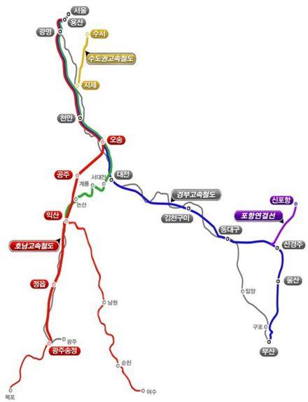국토교통부는 4월 개통하는 호남선KTX를 서대전을 경유하지 않는 서울 용산~광주 송정역 구간과 서대전을 경유해 익산역까지만 가는 노선으로 쪼개서 개통하기로 했다(빨간색 노선). 포항직결선이 다음달 31일 개통됨에 따라 서울~신포항까지는 주중 16회, 주말 20회가 운행된다(보라색 노선).