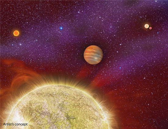 ▲네개의 별과 행성으로 이뤄진 시스템이 발견돼 관심을 모으고 있다.[사진제공=NASA]