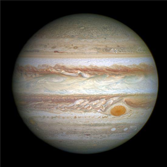 ▲허블망원경이 포착한 목성.[사진제공=NASA]