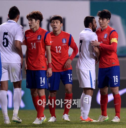 [포토]축구대표팀, 우즈벡과 아쉬운 1-1 무승부'