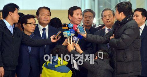 [포토]정기섭 개성공단기업협회장, '임금문제 잘 풀렸으면.....'