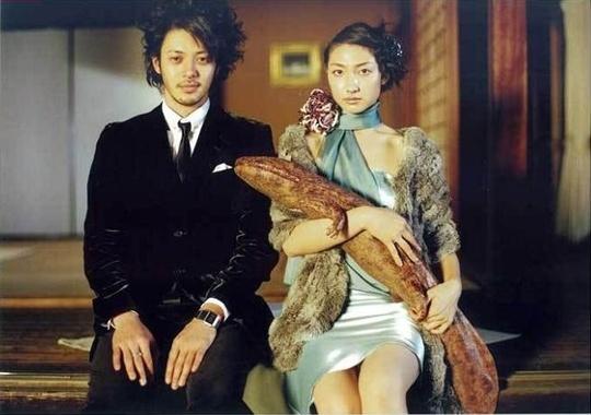 오다기리 죠, 카시이 유우 부부. 사진=영화 '파빌리온 살라만더'(2006) 스틸컷
