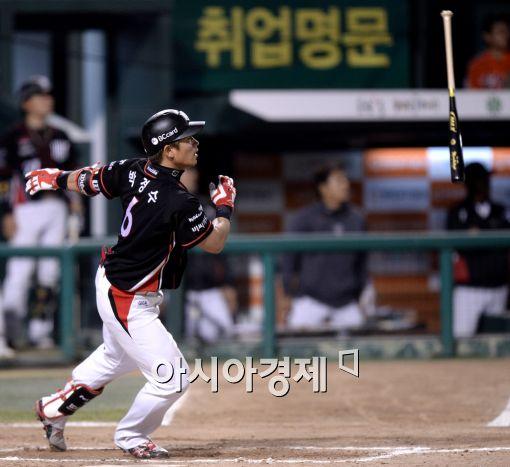 '박경수 장외홈런' kt, SK 잡고 전날 패배 설욕