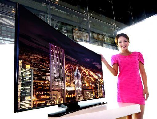 삼성디스플레이 커브드 LCD가 적용된 삼성전자 TV (사진제공 : 삼성디스플레이)