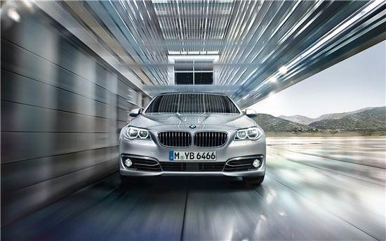 BMW 520d 럭셔리 플러스 에디션